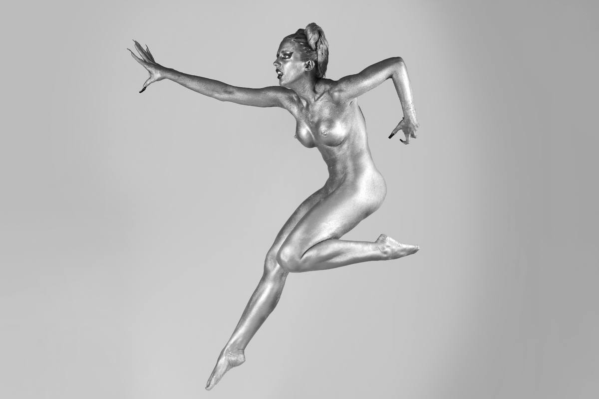 Silber Bodypainting