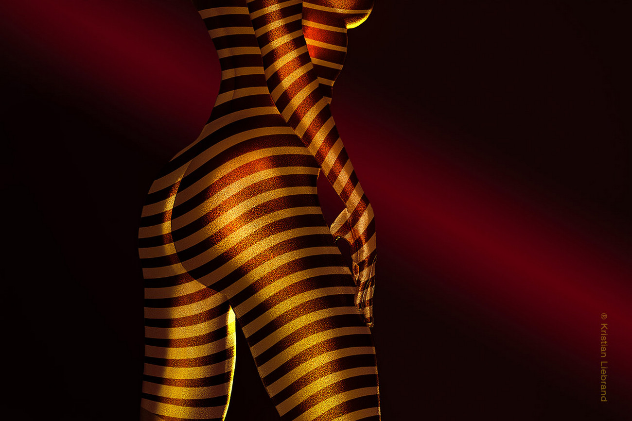 Gold Glitzer Bodypainting