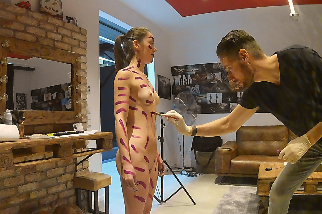 Bodypainting - behind the scenes - Making of  nude art